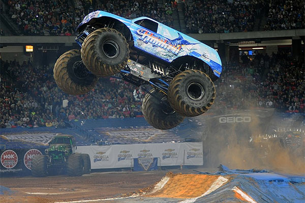 Hooked Flying High in Atlanta – Monster Jam Fox Sports 1 Championship Series